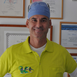 DOTTOR.MARIO ALDO SESIA : titolare e medico odontoiatra generico con specializzazione clinica in chirurgia e parodontologia.